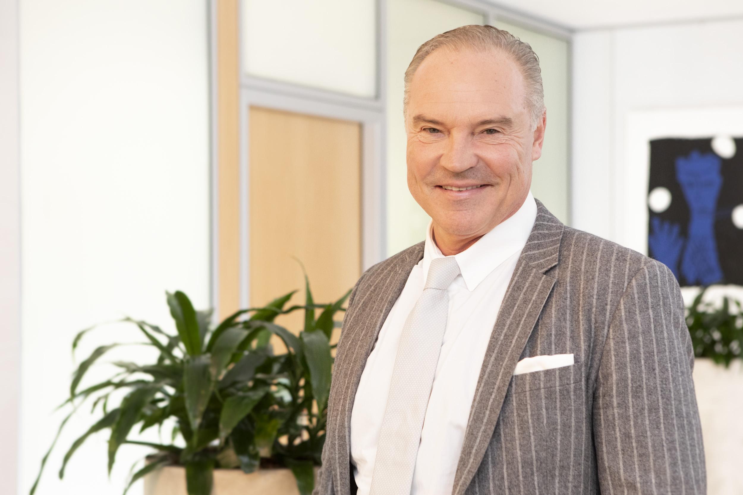 Dr. Hagen Wolff